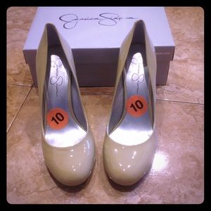 Brand New- Jessica Simpson Round Toe Pumps